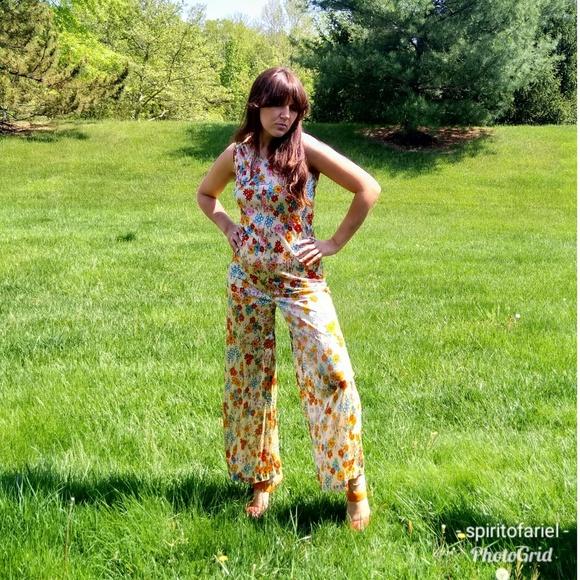 d4a8dc3209 Ditsy floral print 70s jumpsuit and shirt. M 5af09eab3b160856664e115f